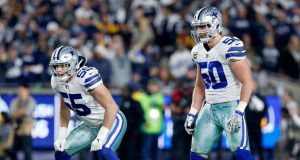 Vander Esch y Sean Lee